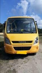 Micro Ônibus Escolar Iveco ano 2013 km 66.135