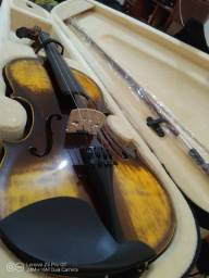 Violino 4/4 seminovo brilhante com cor muito bonito