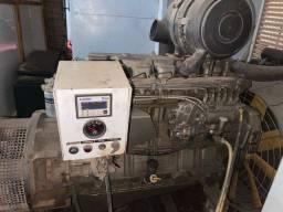 Vendo gerador de energia elétrica de 150 kVA ano 2002