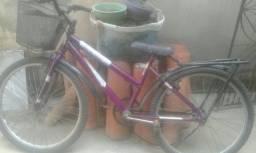 Título do anúncio: Bicicleta Usada 30 Reais (Pneu tá furado e a coroa tá enferrujada)