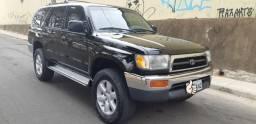 Hilux SW4 1997 4X4 Gasolina - 1997