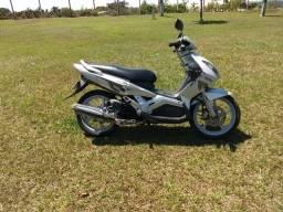 Yamaha neo automática 115cc em dias - 2010
