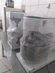Venda equipamentos de padaria preço bom para levar tudo mas vendo separado também