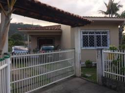 Linda Casa na Vargem Grande disponível para venda