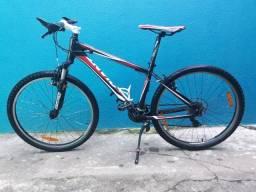 Bicicleta Giant Revel 4 , tam S toda original e conservada, pouco uso.