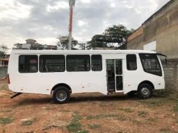 Ônibus modelo caminho da escola