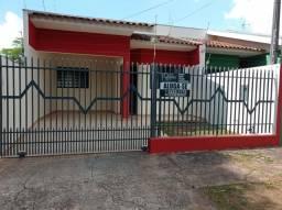 8008 | Casa para alugar com 3 quartos em Parque Das Laranjeiras, Maringá