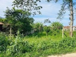 Vende-se terreno em Garopaba com 368m2, no bairro Encantada, pé da montanha. Lugar super t