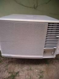 Vendo ar-condicionado 30.000 btus