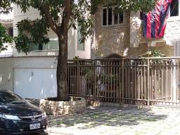 Linda casa térrea no Grajaú - 2 quartos - semimobiliada - estilo clássico