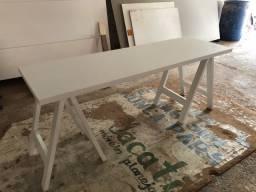 Mesa em cavalete