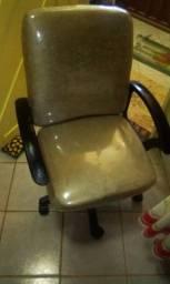 Cadeira de escritório ou estudos