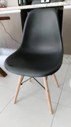 Vendo par de cadeiras, semi nova, sem observação