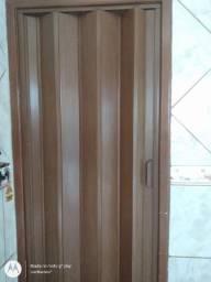 Vendo porta sanfonada PVC.