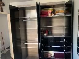 Título do anúncio: Vendo armário guarda roupa notebook tapete troco iPhone 6 7 plus dou volta