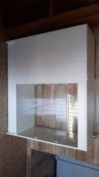Armário branco vitrine