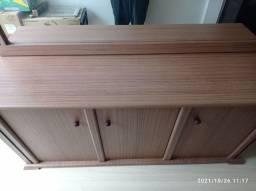 Título do anúncio: Aparador de madeira e espelho