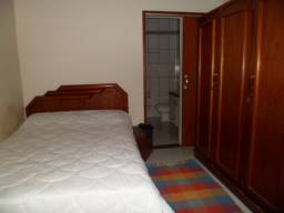 Suite mobiliada, água, luz e internet inclusos no preço