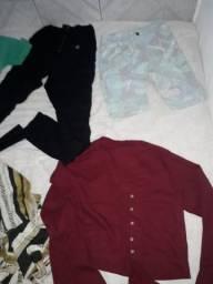 50 peças de roupas seminovas para seu bazar