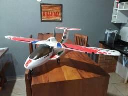 Aeromodelo a5 anfíbio