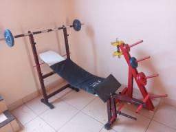 Aparelhos de atividades físicas.