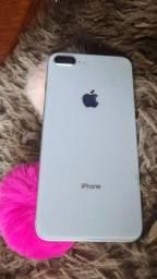 iPhone 8 plus 64 giga semi novo valor 3.200 reais