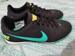 Título do anúncio: Tênis Nike futsal 39