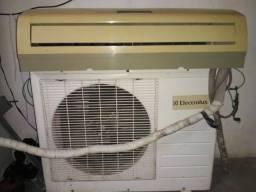 Ar condicionado Electrolux 12000btus no ponto de instalação
