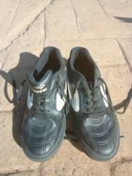 Tênis futsal 34