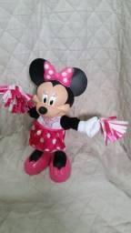 Boneca Minnie Mouse lider de torcida canta e dança