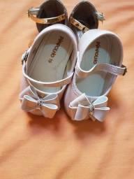 Sapatos menina.