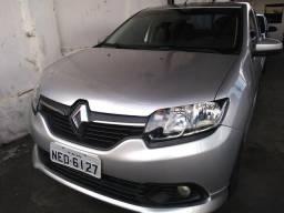 Renault Logan Espression 1.0 2014 - 2014