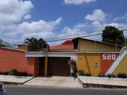 Vendo linda casa // Ótima localização // Fino acabamento