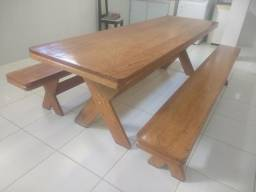 Mesa com 2 bancos 2 metros