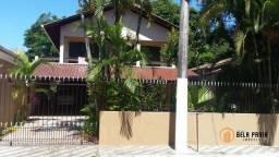 Sobrado com 5 dormitórios, sendo duas suítes à venda, por R$ 700.000 - Centro - Balneário
