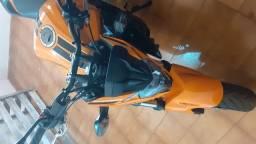Vendo cb 500f. cor laranja linda muito nova, apenas 100 km