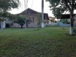 Vendo casa com bastante área verde