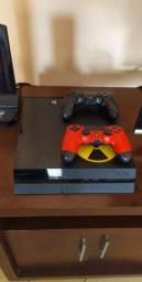 Playstation 4 + 2 Controles + 2 jogos na caixa
