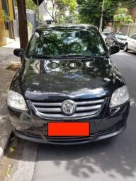 VW Fox 1.0 Preto, apenas 44 mil km, único dono