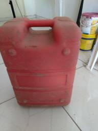 Vendo tanque de motor de poupa