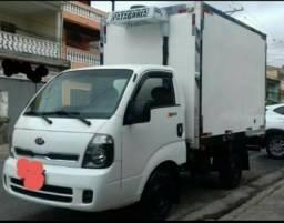 Caminhão Bongo refrigerador 2014 semi-novo