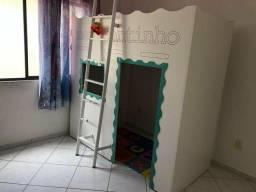 Barbada linda cama , com casinha embaixo, padrão solteiro