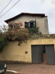 Aluga-se quarto/ Vila Nova (república)