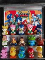Miniaturas do Sonic e toy story