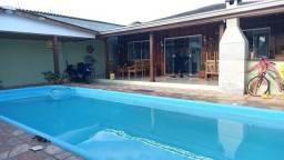 Casa mista com piscina