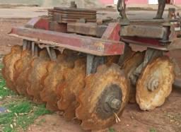 Título do anúncio: Grade aradora pesada 12x32