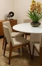 Mesa diâmetro 1,35+6 cadeiras Tok Stok semi nova