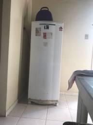 Título do anúncio: Vendo geladeira cônsul