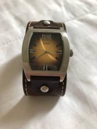 Título do anúncio: Relógio Guess masculino com pulseira de couro