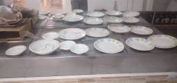 Conjunto de pratos